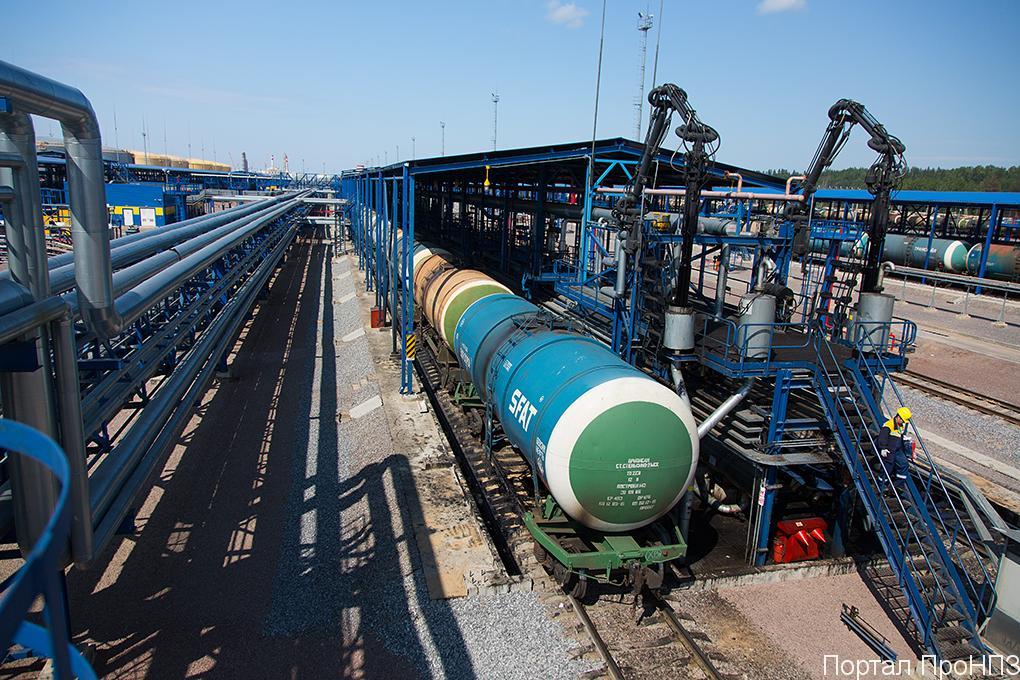 Пермский НПЗ (ЛУКОЙЛ) запустил производство дорожного битума с увеличенным сроком службы